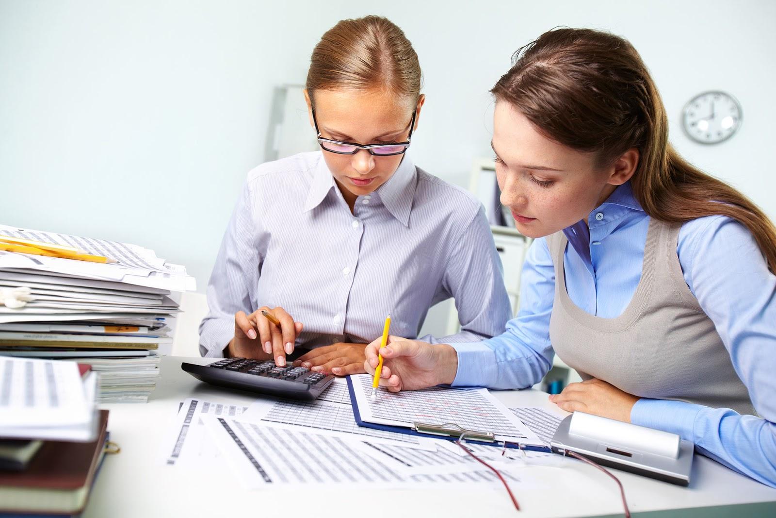 Auxiliar Administrativo y Atención al Cliente